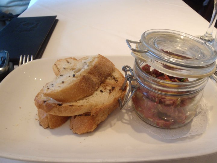Bagatelle - Steak tartare and truffle butter bread